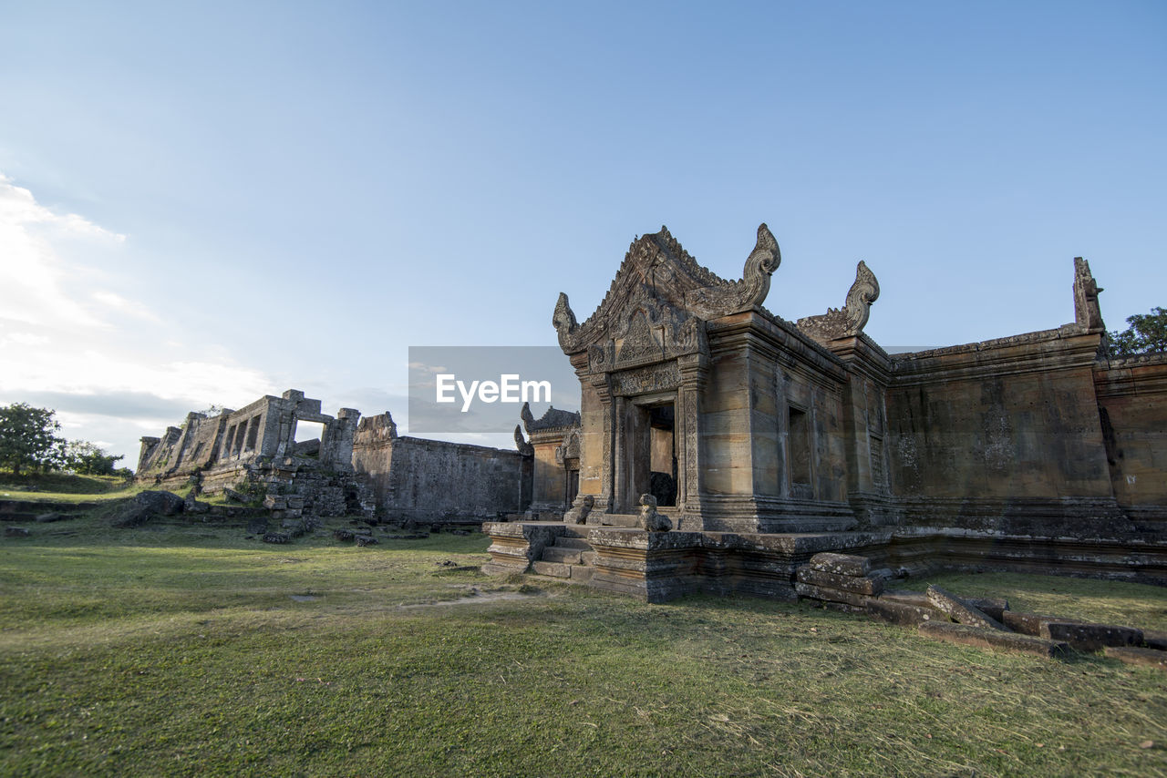 sky, built structure, architecture, nature, grass, history, building exterior, the past, travel destinations, day, travel, ancient, tourism, no people, old ruin, plant, building, outdoors, ancient civilization, land, archaeology, architectural column, ruined