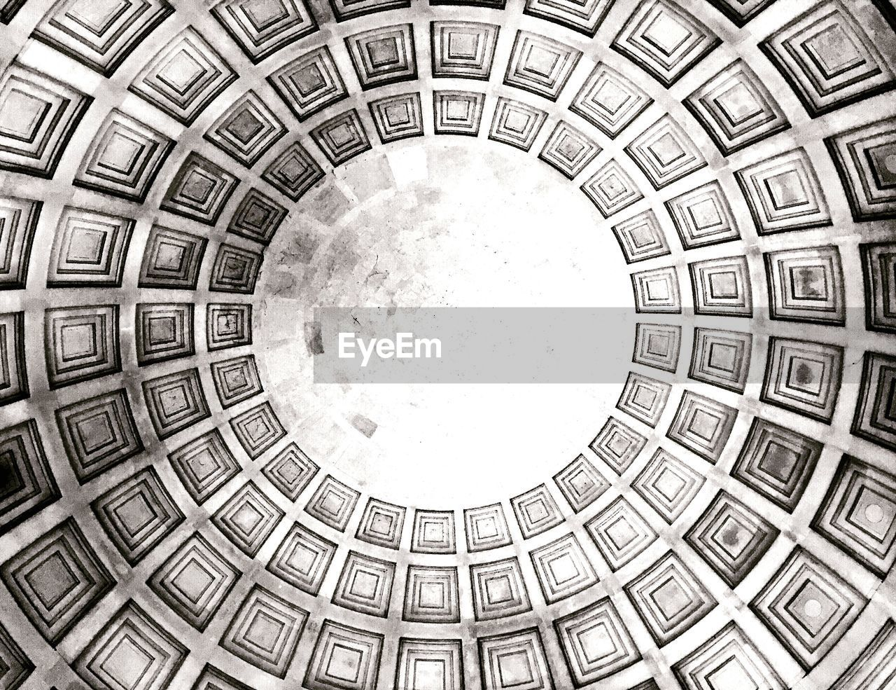 directly below, architecture, built structure, dome, pattern, backgrounds, history, full frame, indoors, low angle view, travel destinations, no people, day
