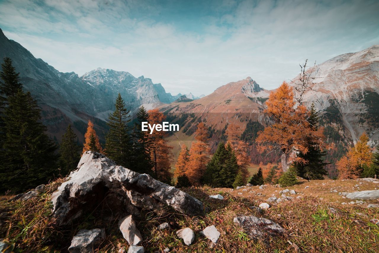 mountain, autumn, nature, scenics, beauty in nature, tranquil scene, landscape, tranquility, mountain range, day, outdoors, no people, sky, tree, scenery