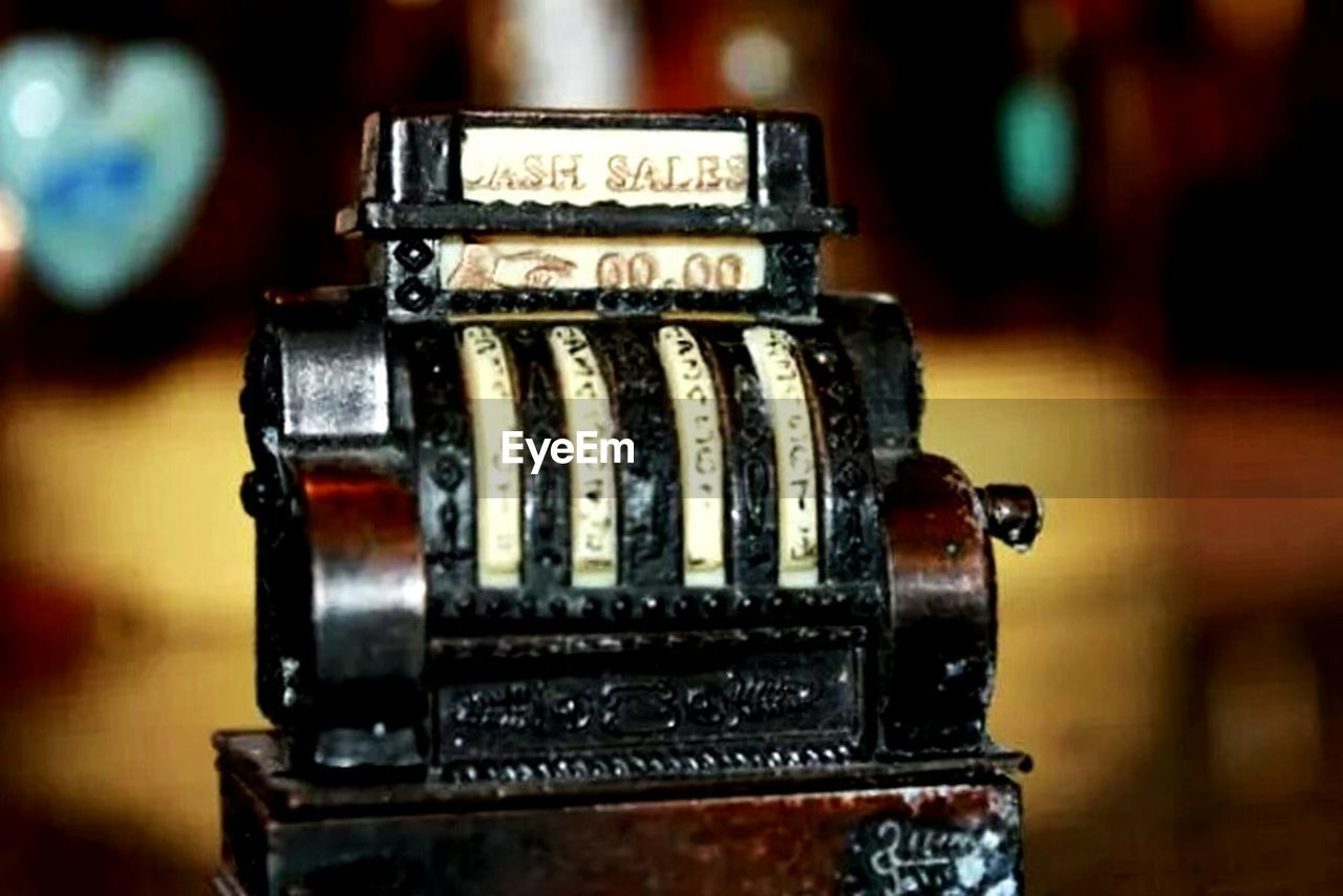 old-fashioned, close-up, indoors, retro styled, technology, focus on foreground, music, arts culture and entertainment, no people, typewriter, day