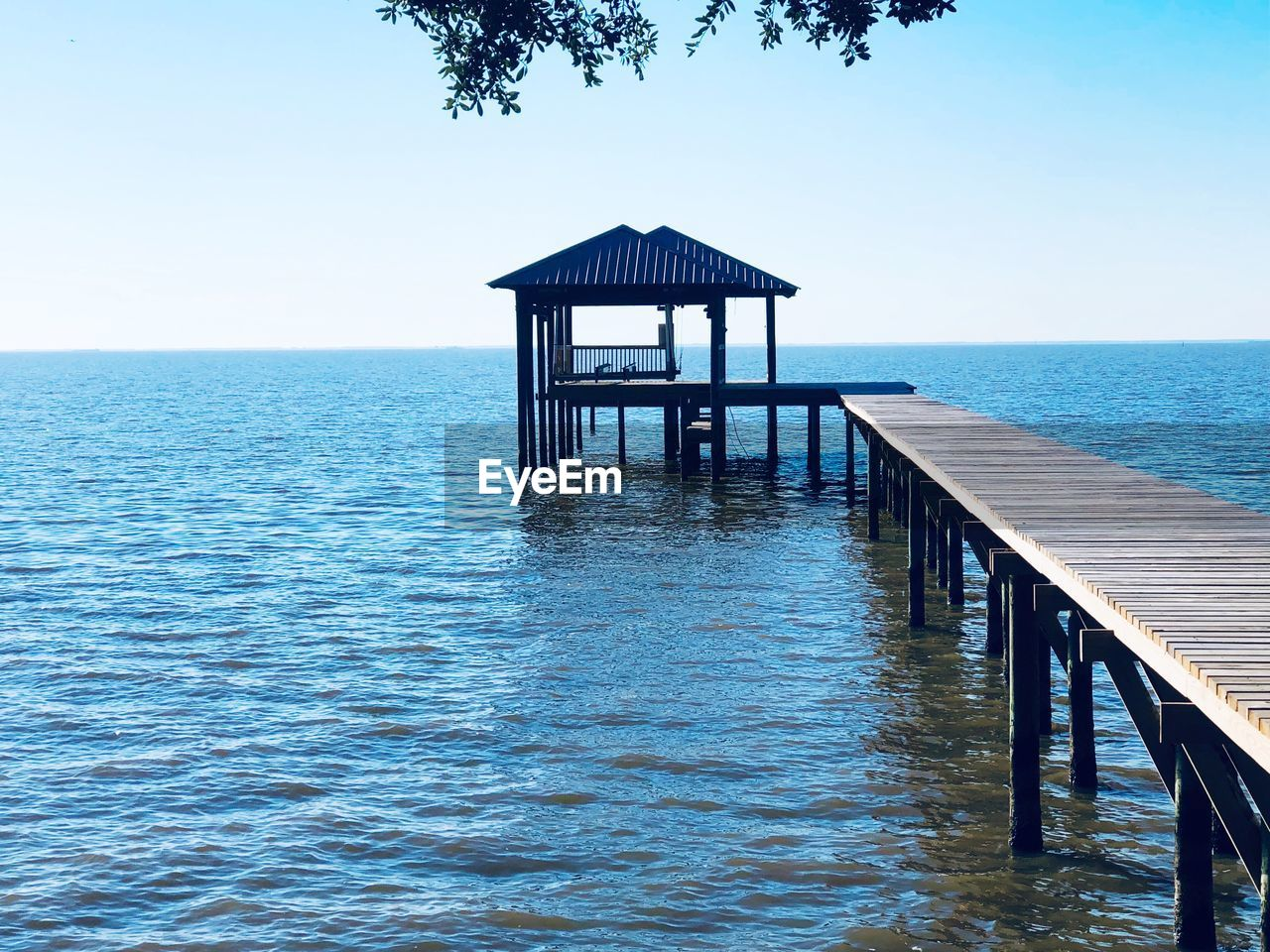 water, sea, sky, horizon, horizon over water, scenics - nature, beauty in nature, tranquil scene, tranquility, built structure, architecture, clear sky, gazebo, nature, no people, waterfront, idyllic, blue, pier, outdoors