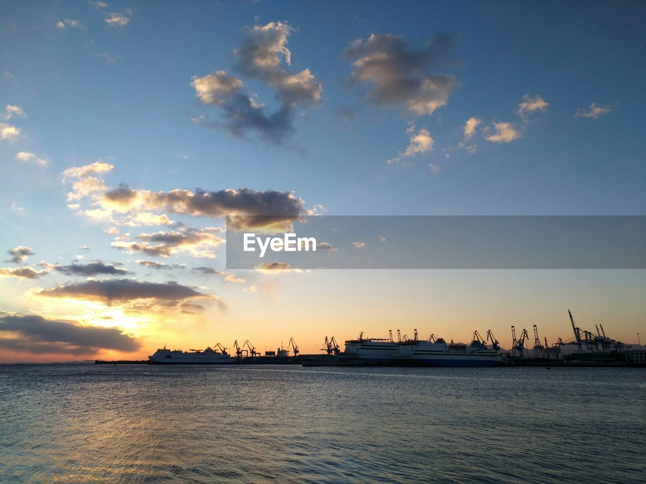 sky, sunset, water, sea, cloud - sky, scenics, nature, no people, waterfront, beauty in nature, outdoors, tranquility, tranquil scene, nautical vessel, building exterior, architecture, day, city, offshore platform