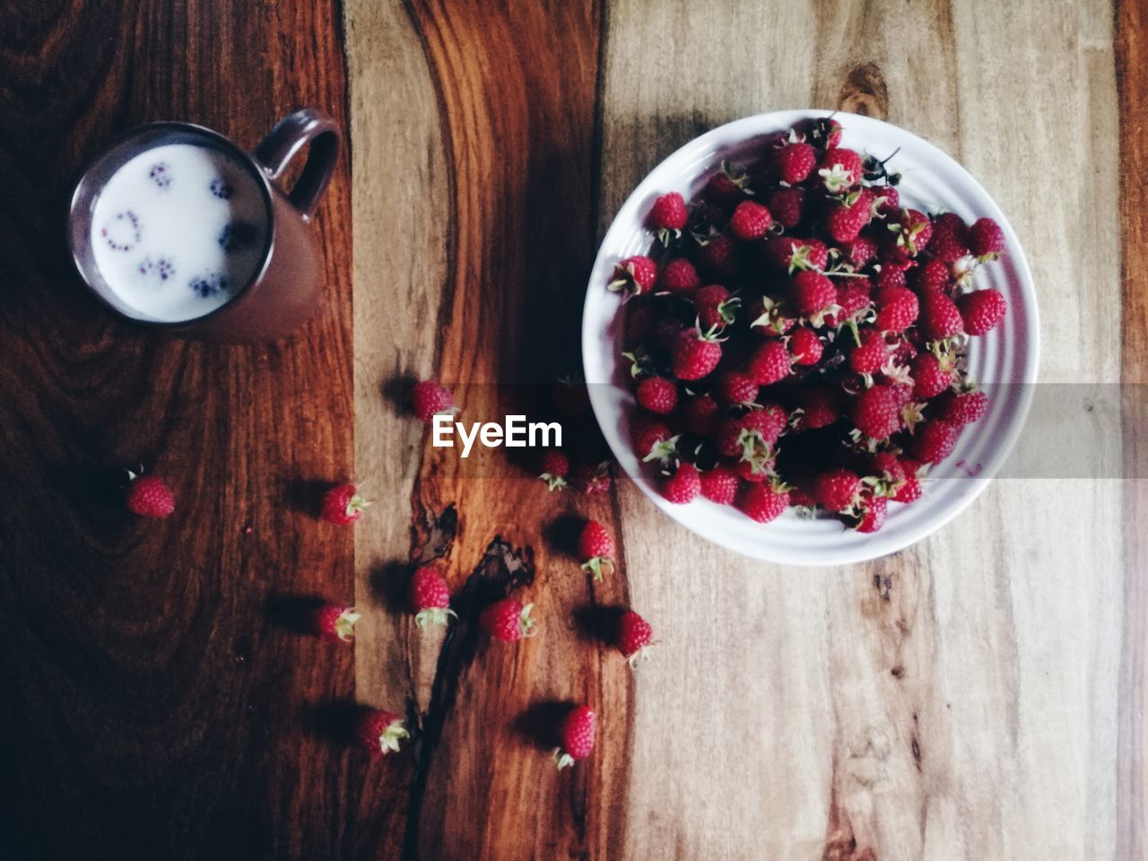 food and drink, table, wood - material, food, fruit, freshness, bowl, directly above, high angle view, raspberry, sweet food, indoors, indulgence, dessert, temptation, blueberry, no people, pomegranate seed, ready-to-eat, pomegranate, healthy eating, close-up, day