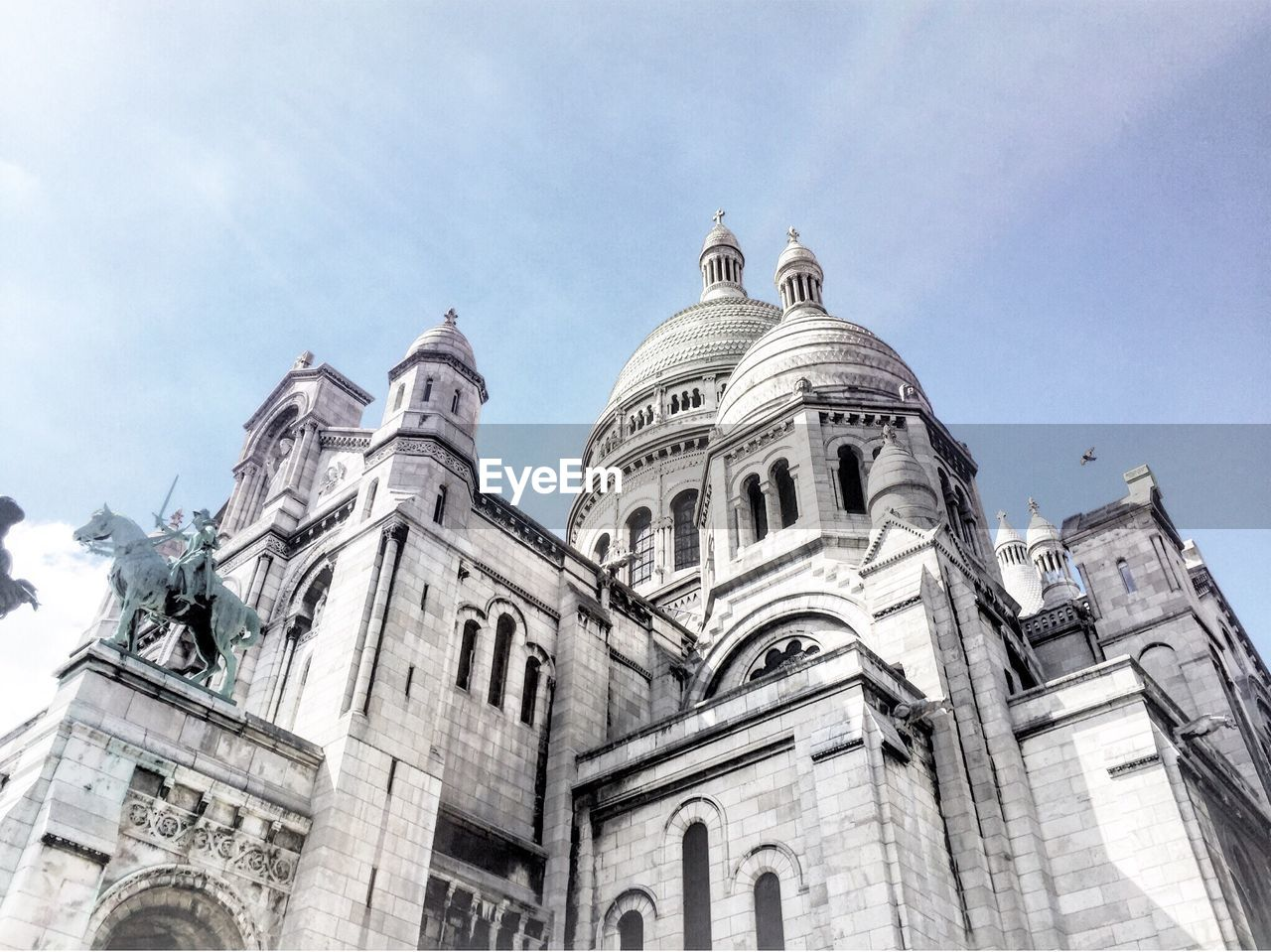 low angle view, architecture, building exterior, built structure, sky, day, no people, history, outdoors, spirituality, religion, place of worship, sculpture, dome, statue