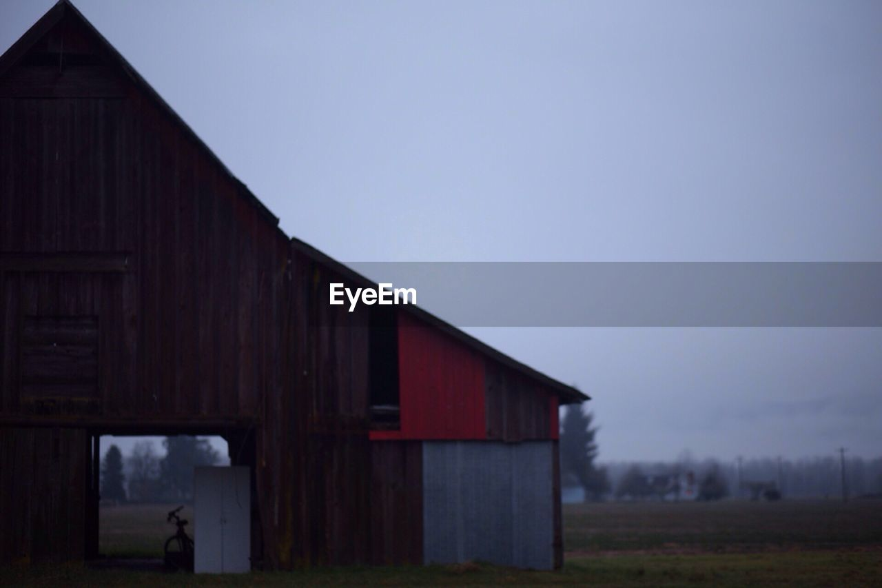 built structure, architecture, barn, no people, building exterior, outdoors, day, clear sky, sky, nature