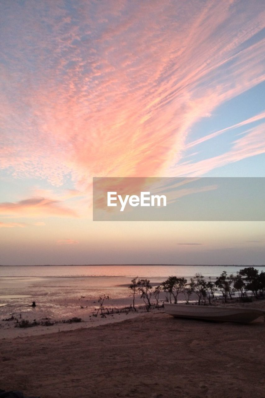 sea, tranquil scene, horizon over water, scenics, sky, beach, beauty in nature, tranquility, water, nature, sunset, idyllic, sand, cloud - sky, outdoors, no people, landscape, day