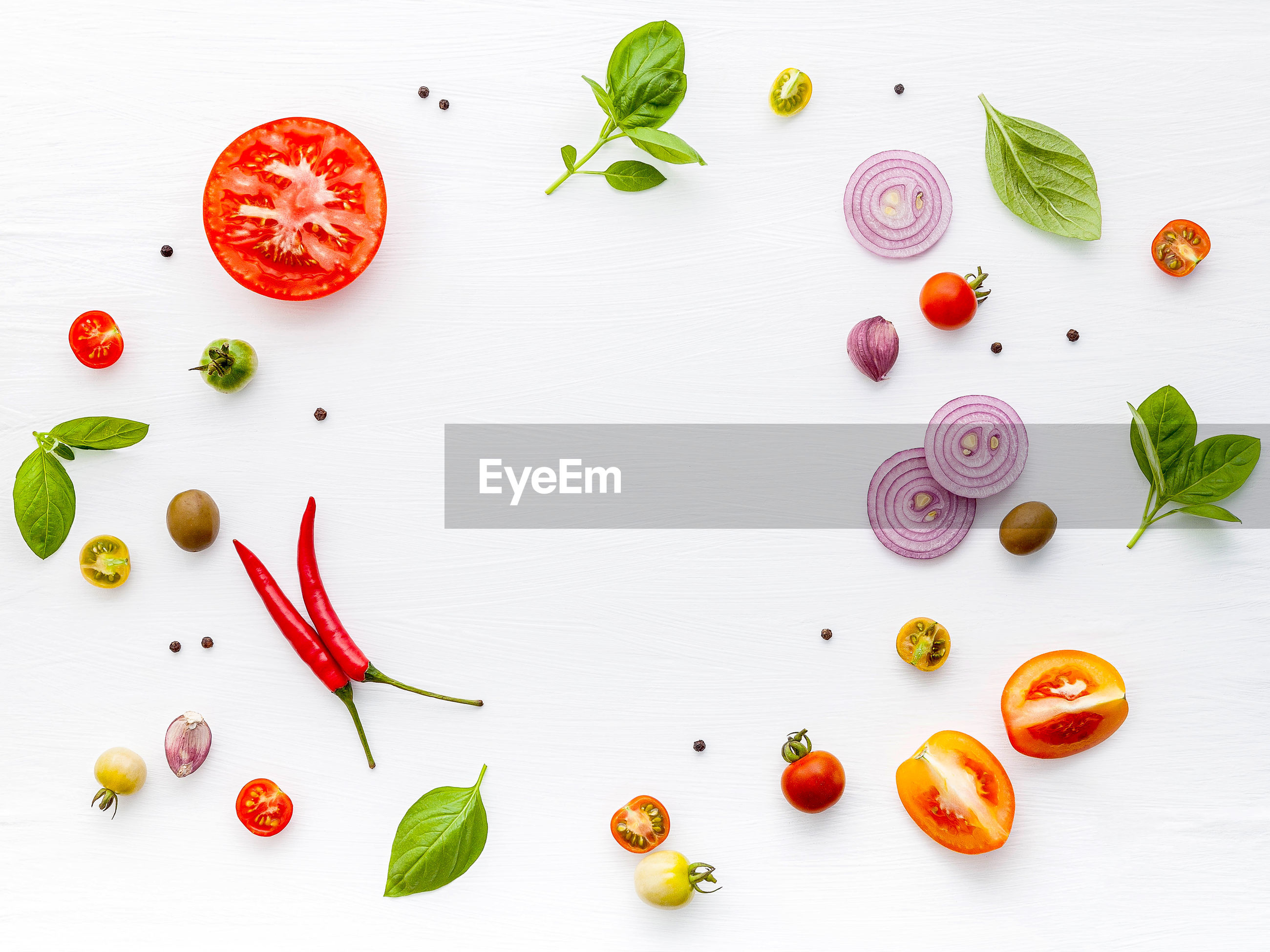 HIGH ANGLE VIEW OF FRUITS AND VEGETABLES ON TABLE