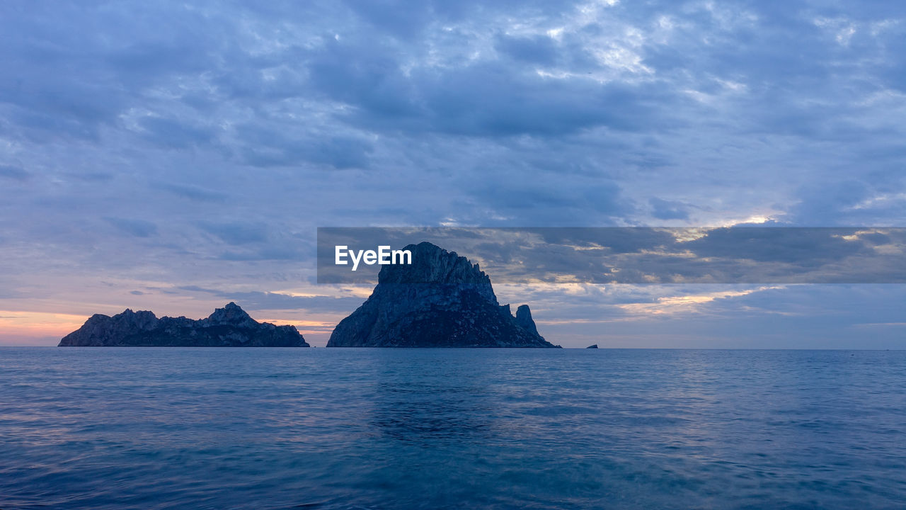 sky, water, sea, beauty in nature, scenics - nature, cloud - sky, tranquil scene, waterfront, tranquility, idyllic, rock, nature, no people, sunset, horizon over water, horizon, rock formation, rock - object, headland, outdoors, stack rock