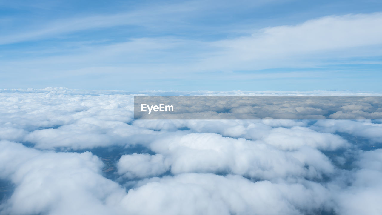 AERIAL VIEW OF CLOUDSCAPE AGAINST CLOUDY SKY