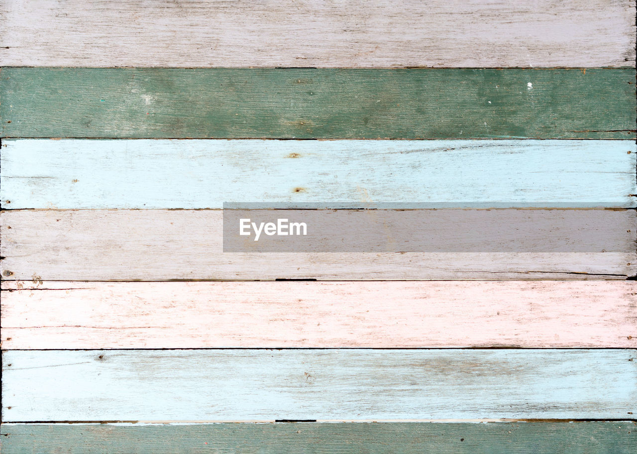 backgrounds, full frame, wood - material, pattern, textured, no people, close-up, day, wall - building feature, striped, wood, directly above, built structure, old, plank, architecture, weathered, outdoors, white color, repetition, wood grain, textured effect