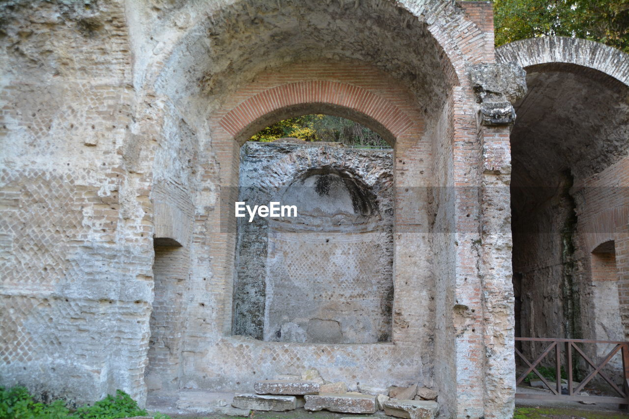 stone material, history, ancient, architecture, arch, old ruin, built structure, no people, travel destinations, day, ancient civilization, indoors, close-up