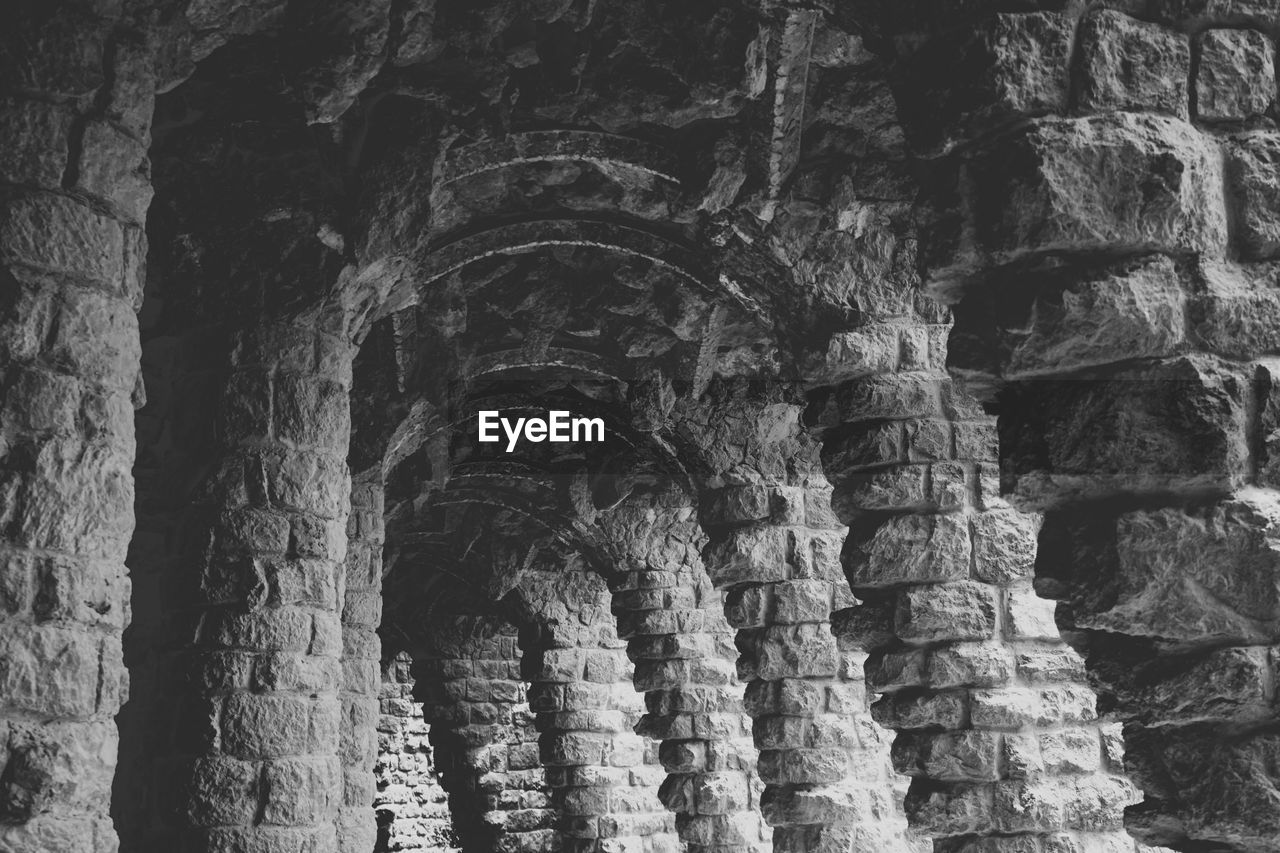 history, arch, ancient, architecture, old ruin, no people, travel destinations, day, built structure, indoors, ancient civilization