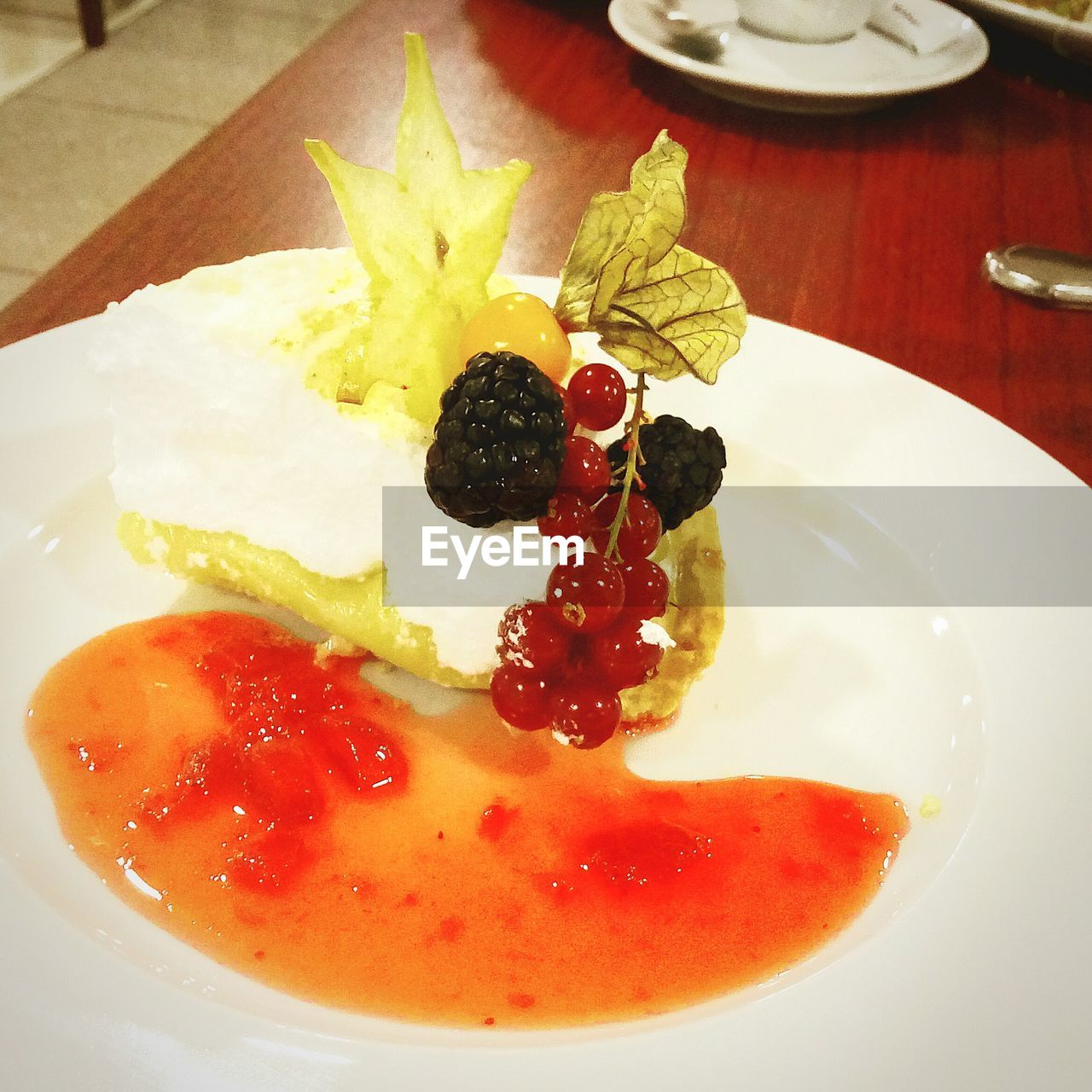 plate, food, food and drink, fruit, indoors, freshness, ready-to-eat, table, healthy eating, no people, close-up, dessert, sweet food, day
