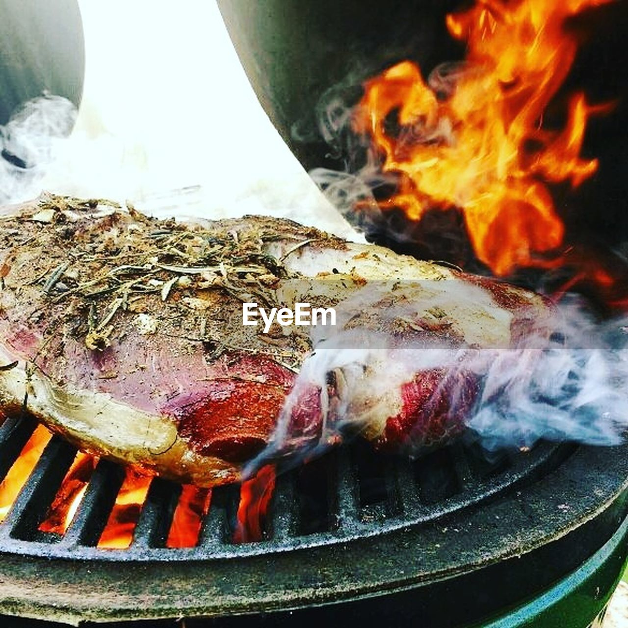 burning, heat - temperature, flame, barbecue grill, smoke - physical structure, food and drink, food, grilled, no people, barbecue, fire pit, close-up, indoors, day