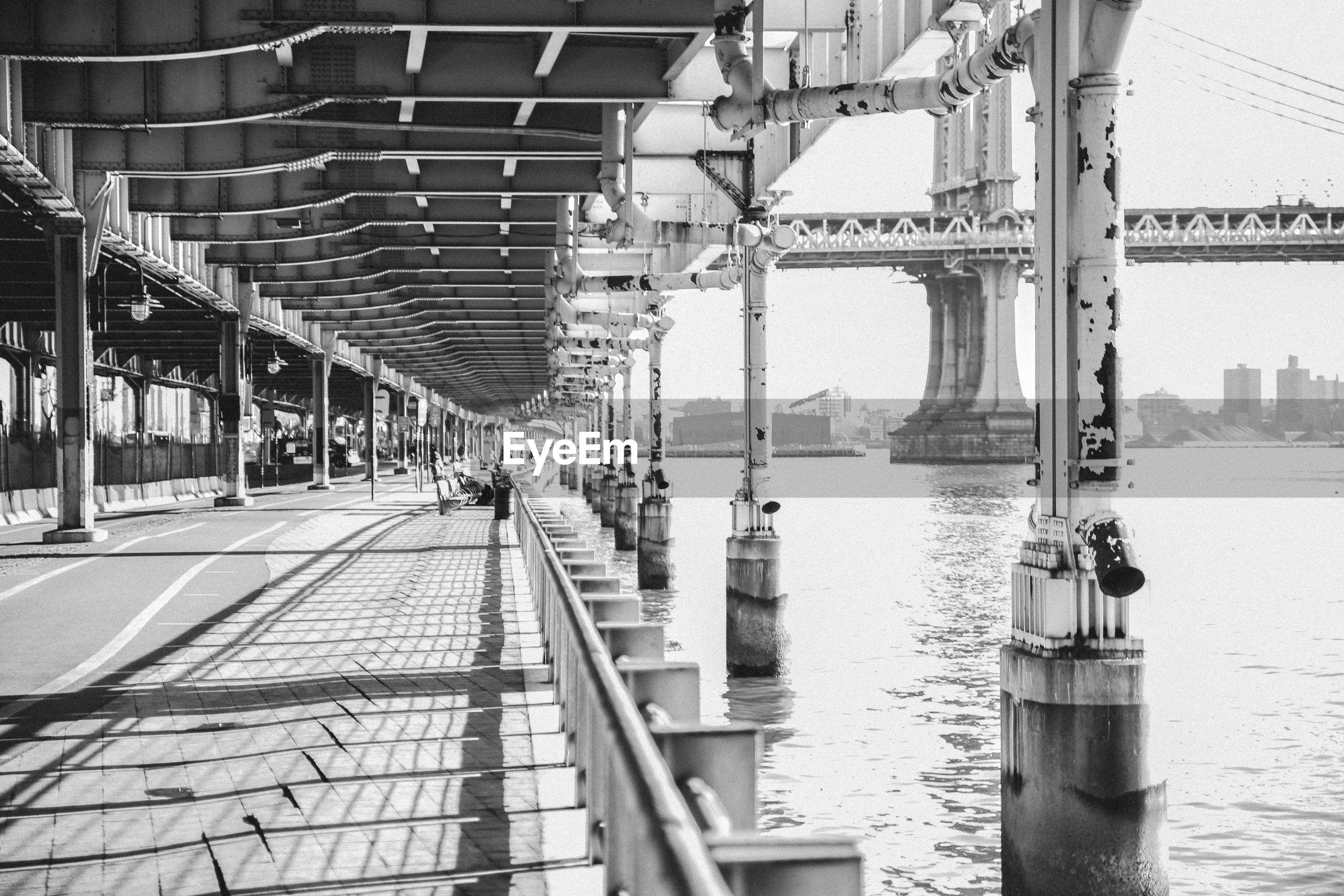 Manhattan bridge over east river seen from walkway