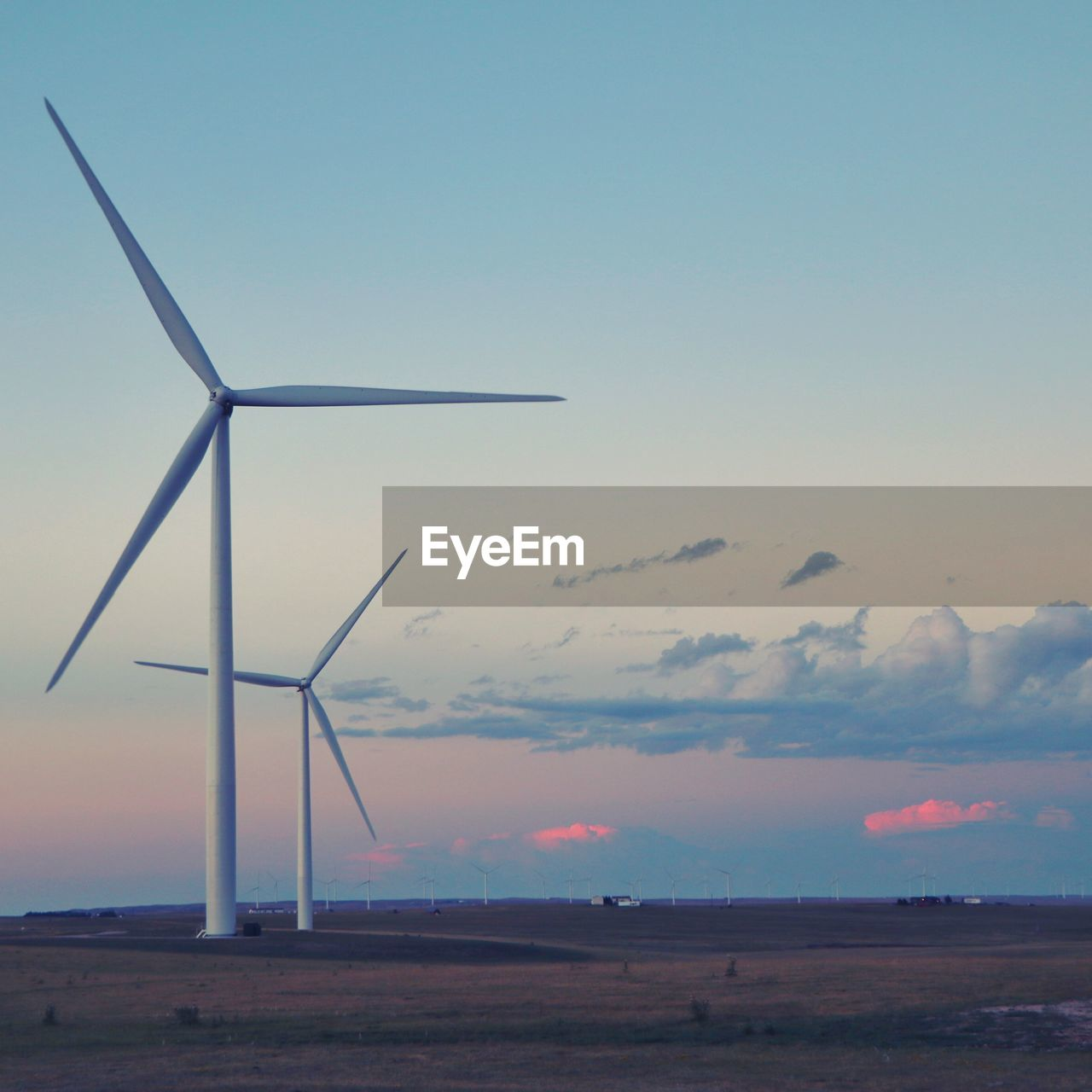wind turbine, wind power, alternative energy, environmental conservation, renewable energy, fuel and power generation, windmill, industrial windmill, sky, outdoors, nature, no people, sunset, day, beauty in nature, landscape, scenics, traditional windmill