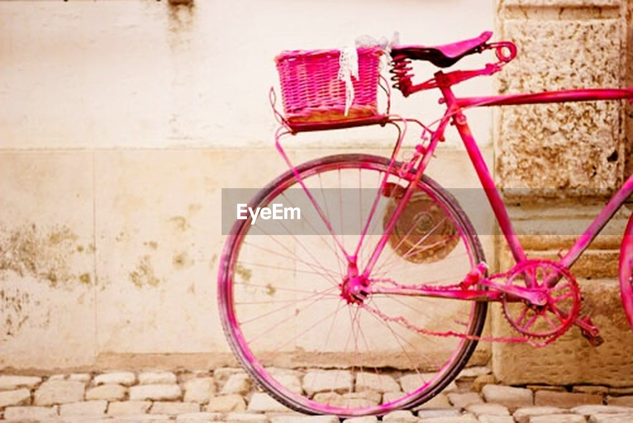 bicycle, transportation, city, mode of transport, old-fashioned, wheel, no people, outdoors, day