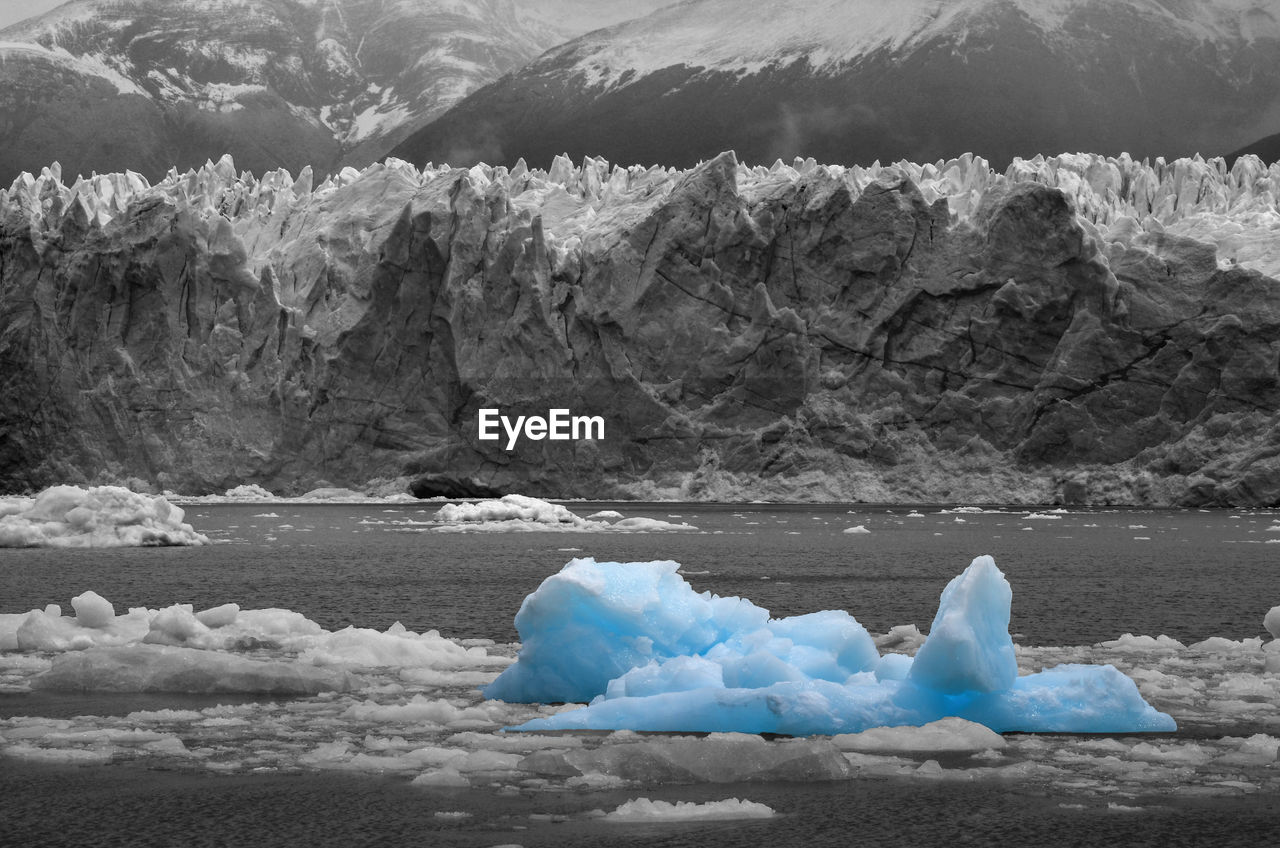 ice, snow, melting, glacier, cold, nature, cold temperature, beauty in nature, iceberg - ice formation, sea, iceberg, floating on water, frozen, scenics, water, mountain, global warming, tranquility, winter, no people, outdoors, glacial, day