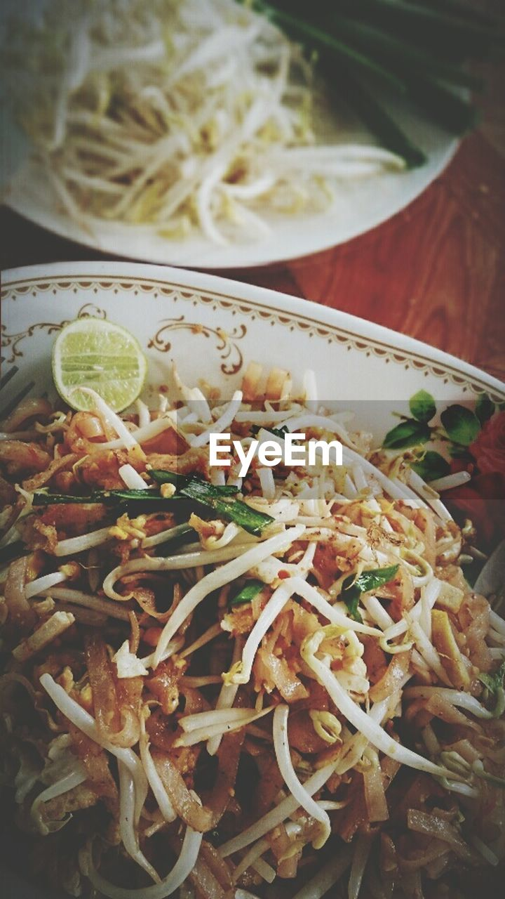 food and drink, food, healthy eating, freshness, indoors, ready-to-eat, vegetable, serving size, noodles, no people, plate, bean sprout, garnish, close-up, day