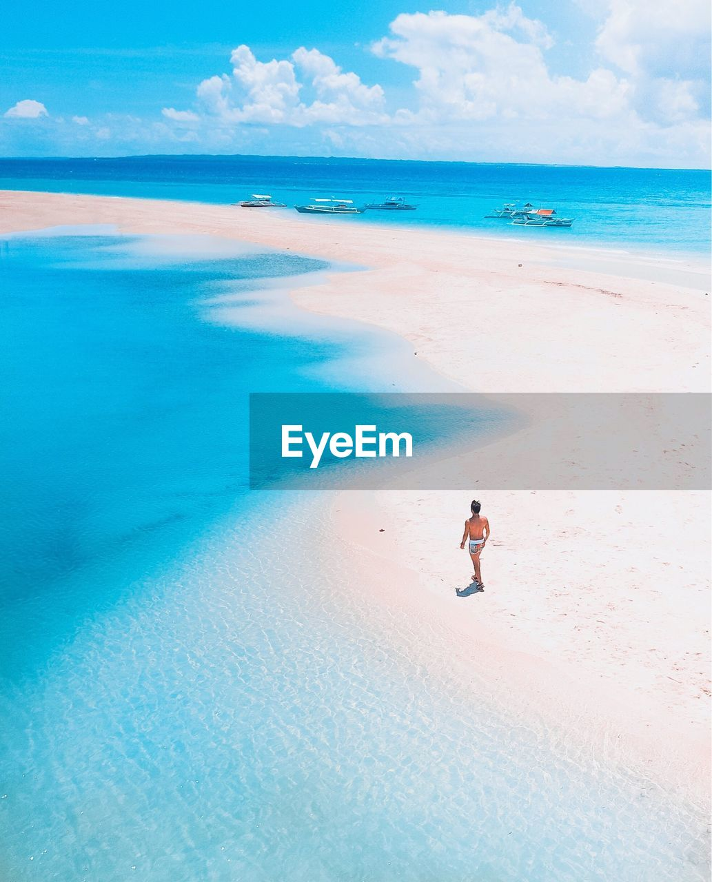 land, sea, beach, water, beauty in nature, sky, scenics - nature, horizon, horizon over water, real people, sand, lifestyles, cloud - sky, one person, leisure activity, nature, day, vacations, holiday, outdoors