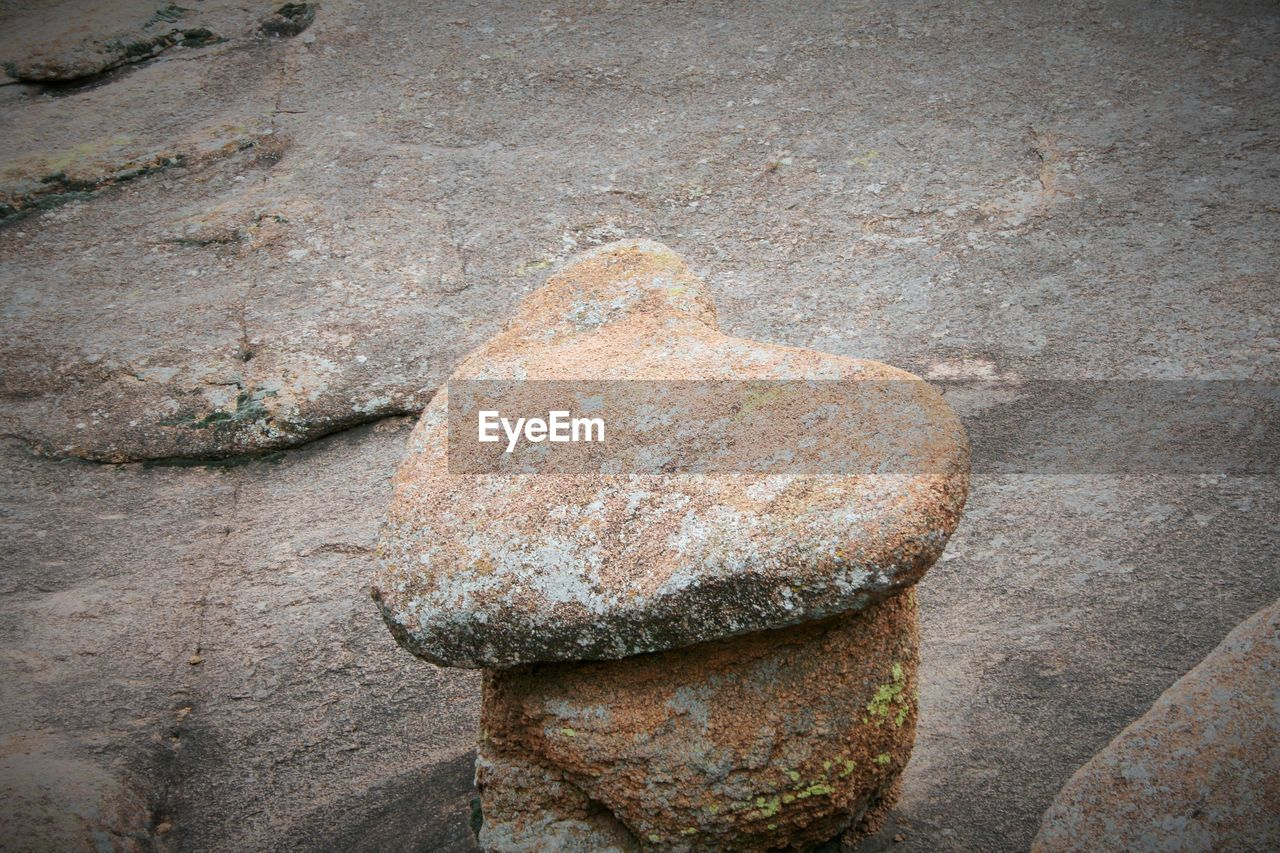 rock - object, day, rusty, outdoors, no people, textured, close-up, nature