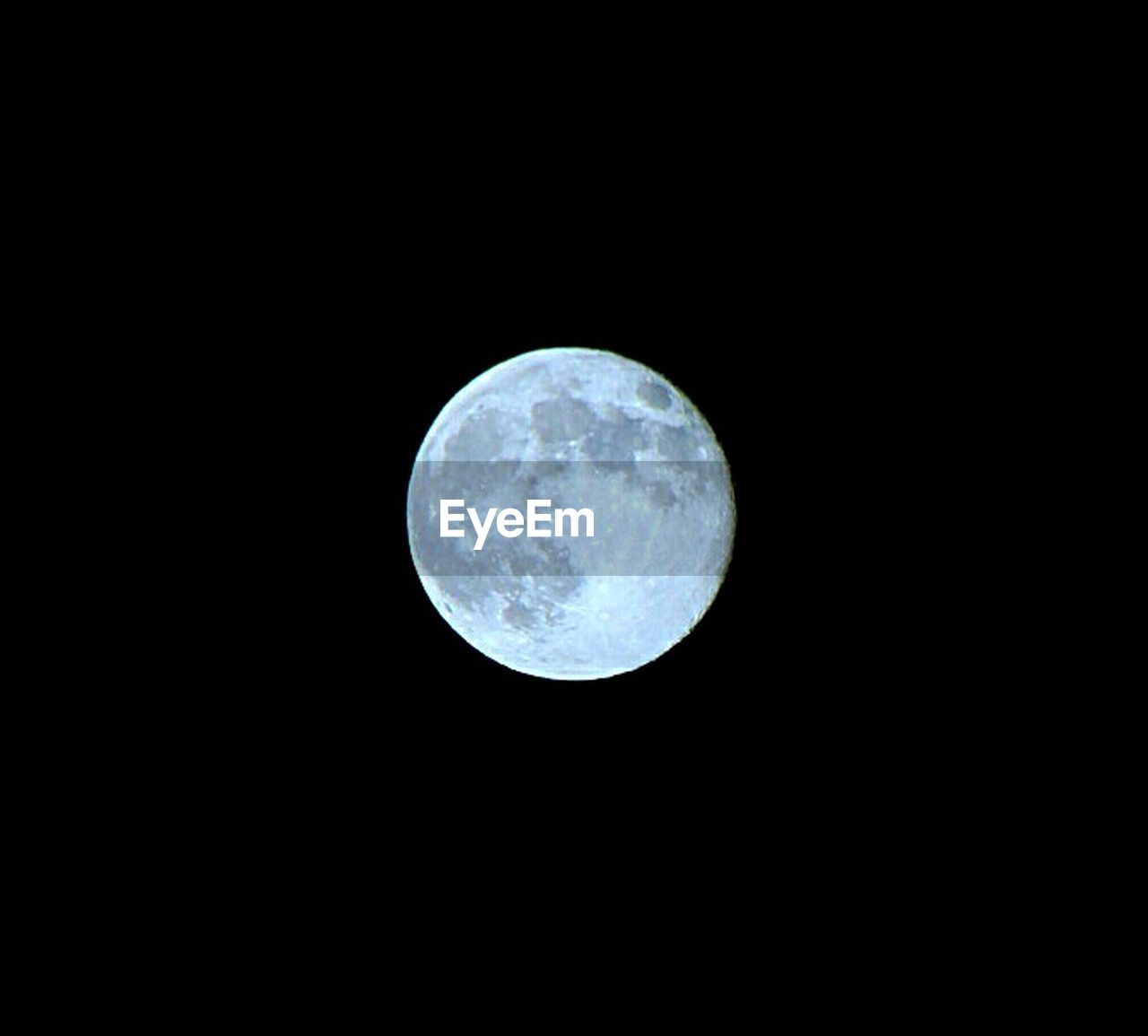 moon, night, moon surface, full moon, astronomy, nature, no people, outdoors, scenics, space, low angle view, beauty in nature, sky, close-up, satellite view