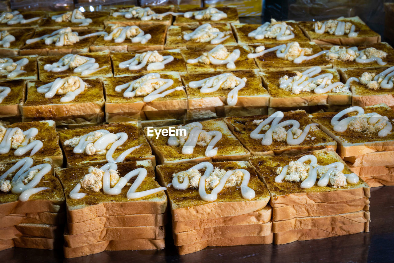 HIGH ANGLE VIEW OF BREAD IN MARKET