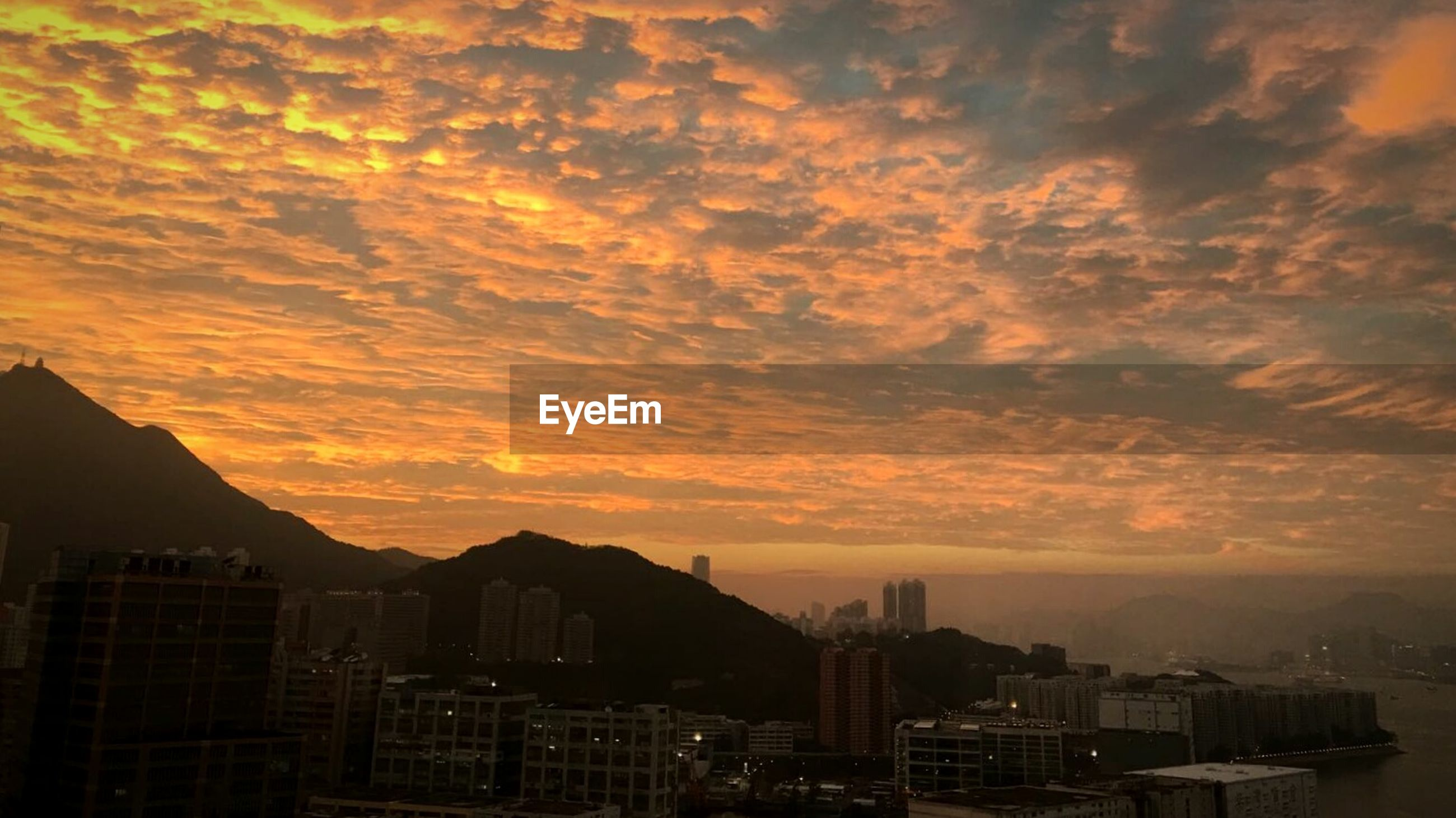 sunset, cityscape, city, urban skyline, architecture, no people, skyscraper, building exterior, cloud - sky, sky, outdoors, beauty in nature