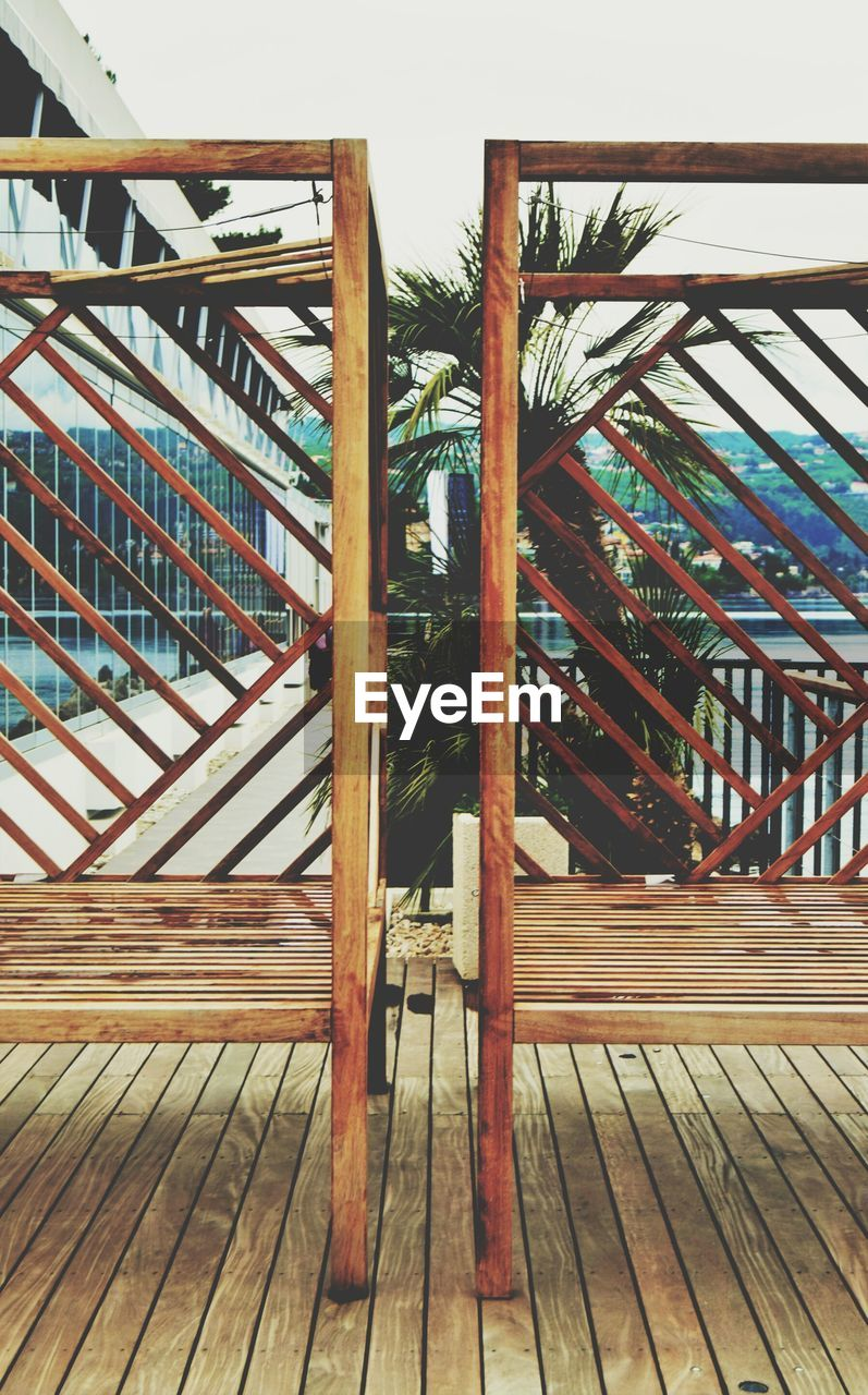 wood - material, built structure, no people, architecture, day, bridge - man made structure, outdoors, footbridge, sky