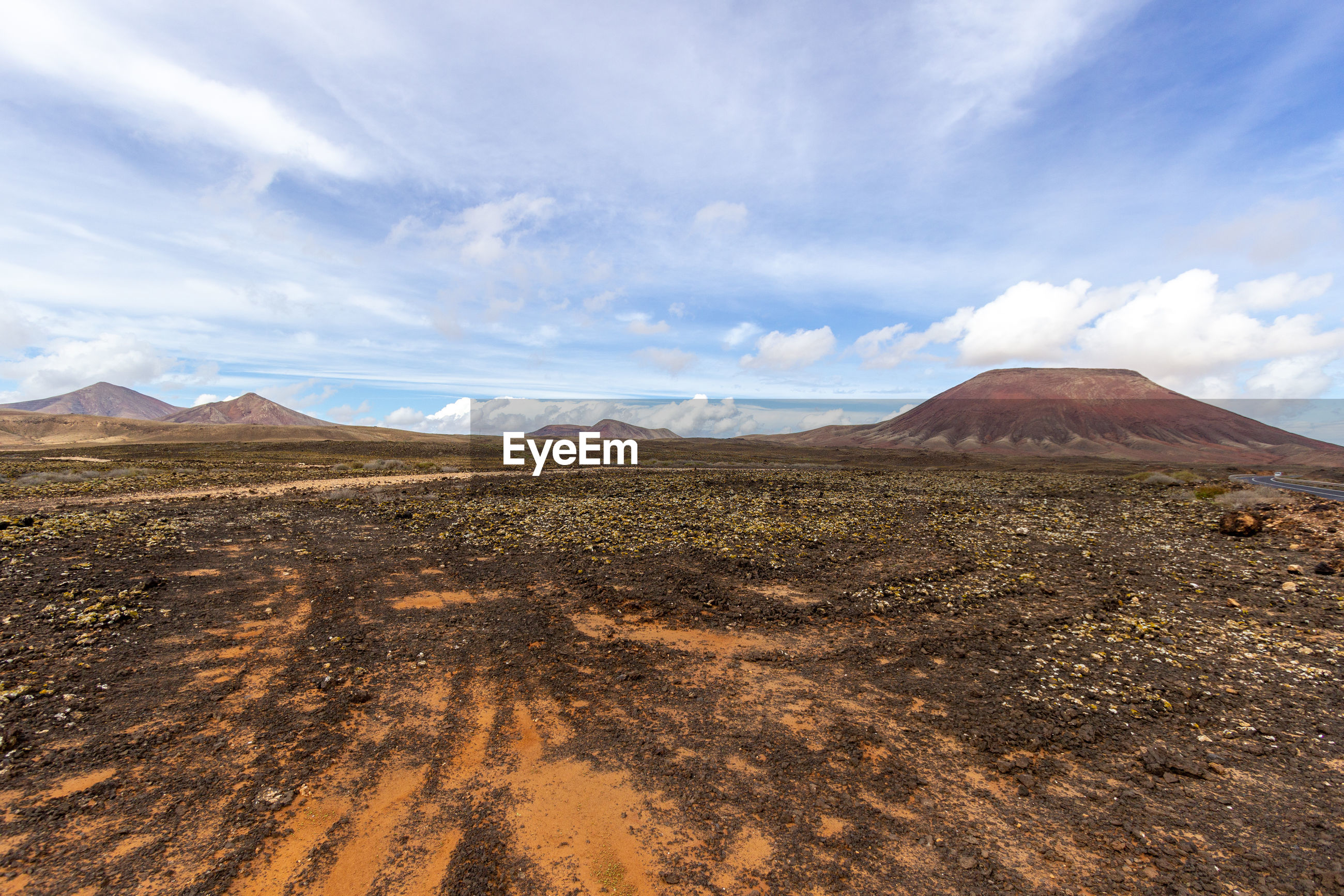 Panoramic view at the coastline of corralejo on canary island fuerteventura, spain