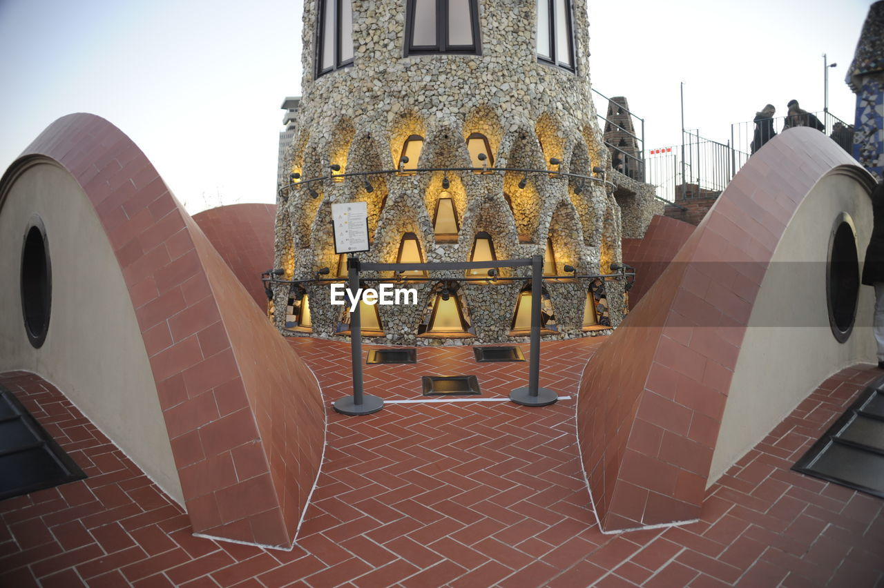 architecture, built structure, no people, sculpture, building exterior, day, outdoors, close-up