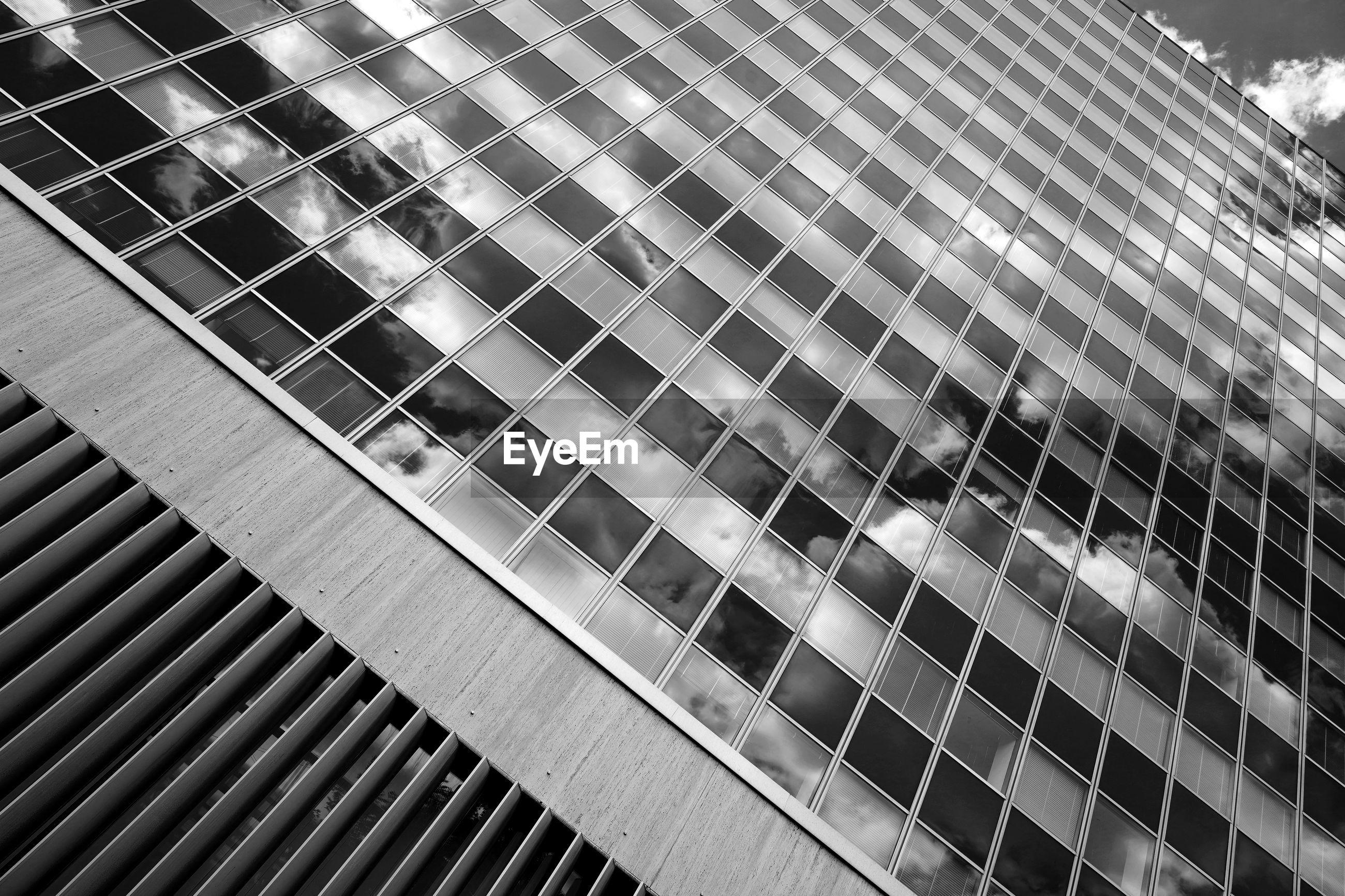 DIRECTLY BELOW SHOT OF MODERN BUILDING