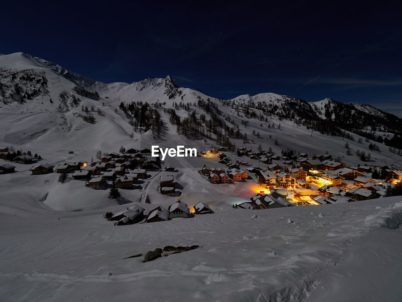 winter, snow, cold temperature, scenics - nature, sky, beauty in nature, mountain, nature, no people, non-urban scene, tranquil scene, mountain range, white color, tranquility, night, snowcapped mountain, environment, land, landscape