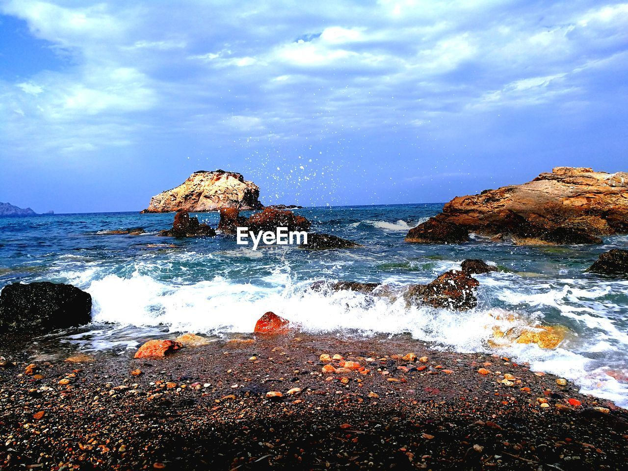 sea, beauty in nature, sky, rock - object, nature, water, cloud - sky, horizon over water, scenics, tranquility, tranquil scene, no people, outdoors, day, wave