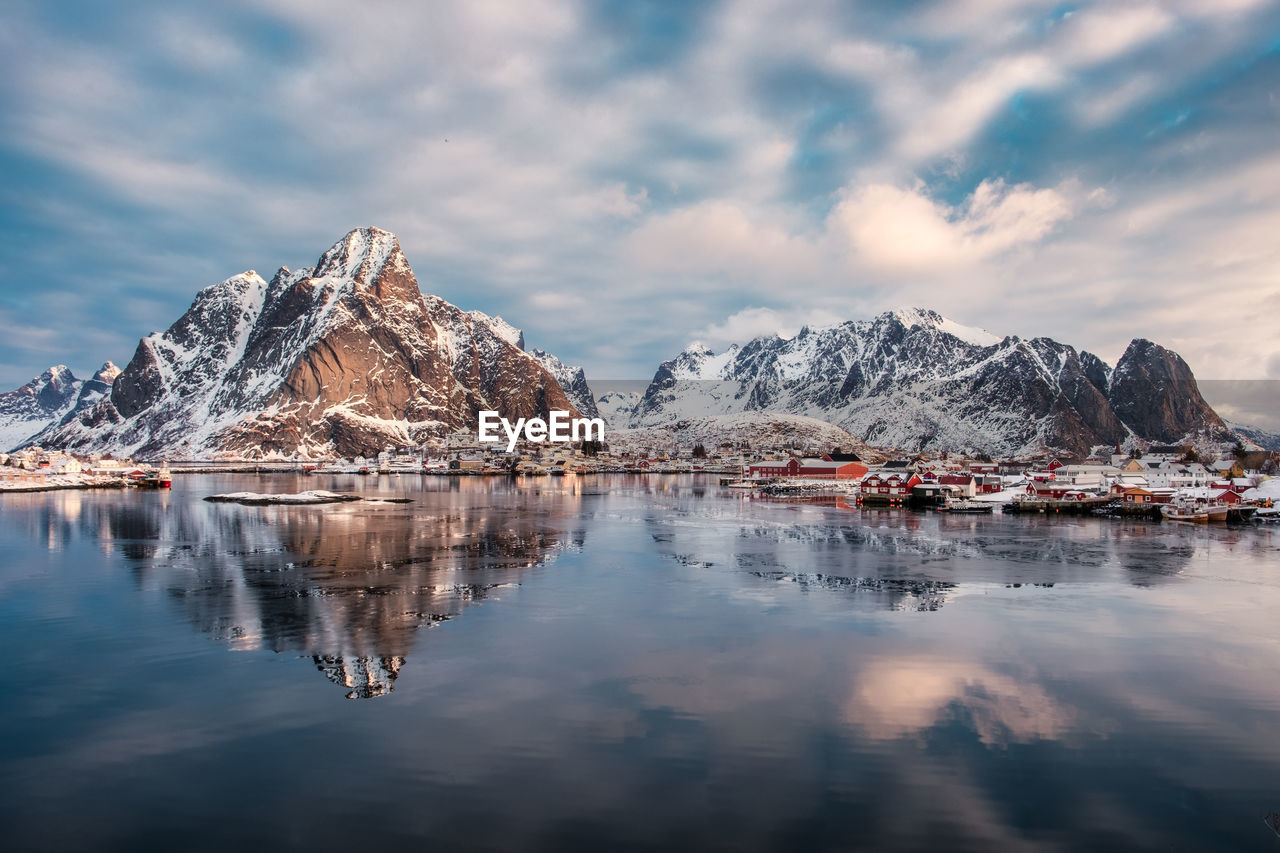 cloud - sky, sky, water, beauty in nature, scenics - nature, mountain, waterfront, reflection, tranquil scene, tranquility, mountain range, nature, cold temperature, no people, lake, winter, idyllic, non-urban scene, outdoors, snowcapped mountain