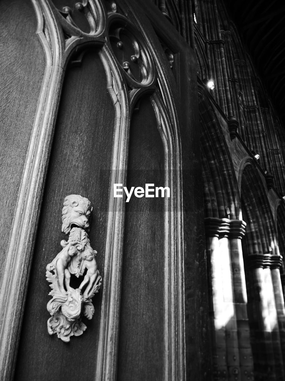 low angle view, spirituality, architecture, no people, religion, built structure, place of worship, belief, indoors, art and craft, sculpture, representation, pattern, the past, creativity, building, ornate, architectural column, carving, floral pattern