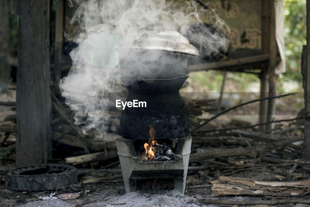 burning, fire, flame, fire - natural phenomenon, heat - temperature, smoke - physical structure, nature, wood - material, log, wood, firewood, day, barbecue, motion, bonfire, no people, food, preparation, outdoors, kitchen utensil, campfire
