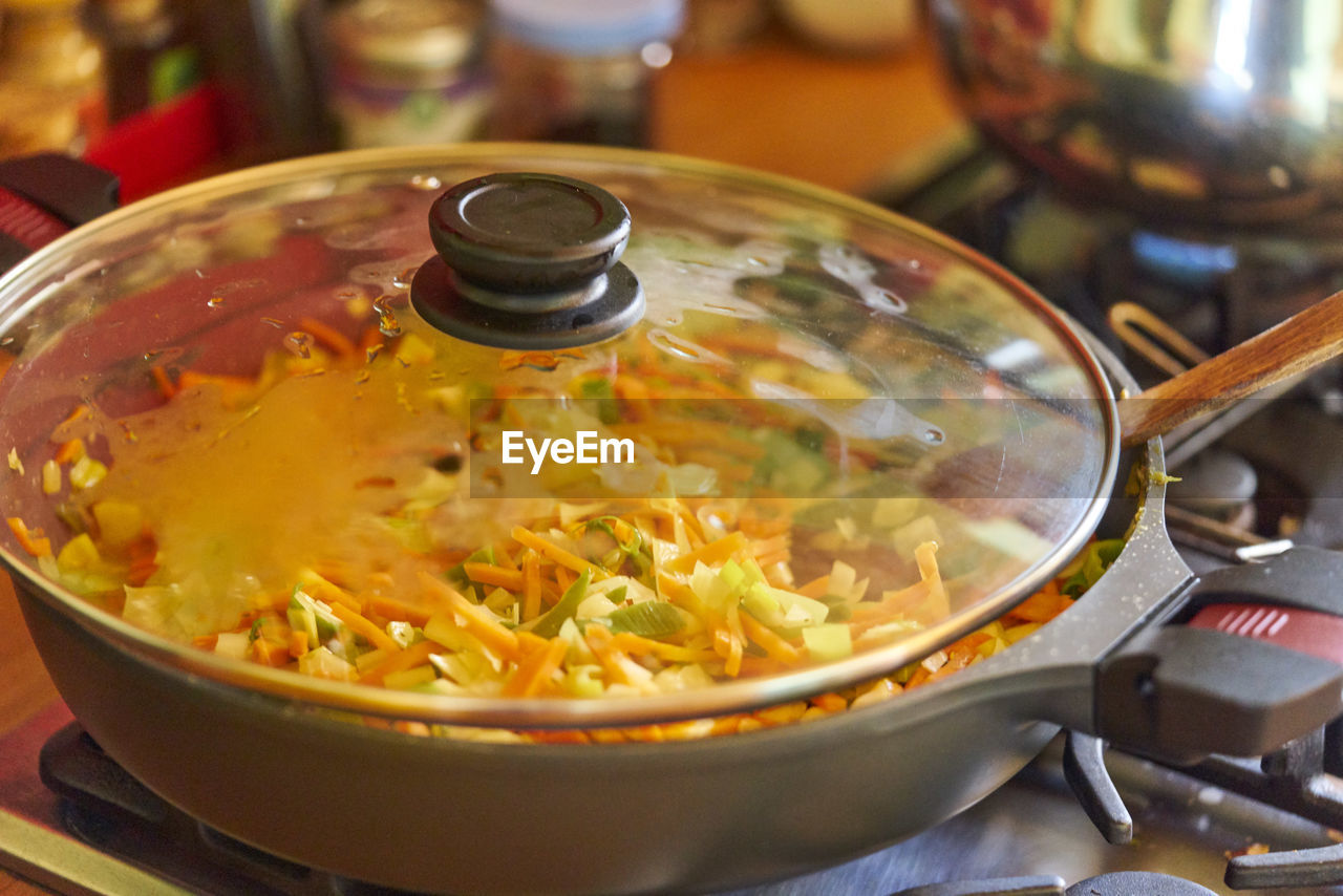 food, food and drink, indoors, bowl, healthy eating, freshness, no people, wellbeing, close-up, kitchen utensil, still life, ready-to-eat, serving size, preparation, spoon, household equipment, selective focus, soup, focus on foreground, temptation, crockery, japanese food
