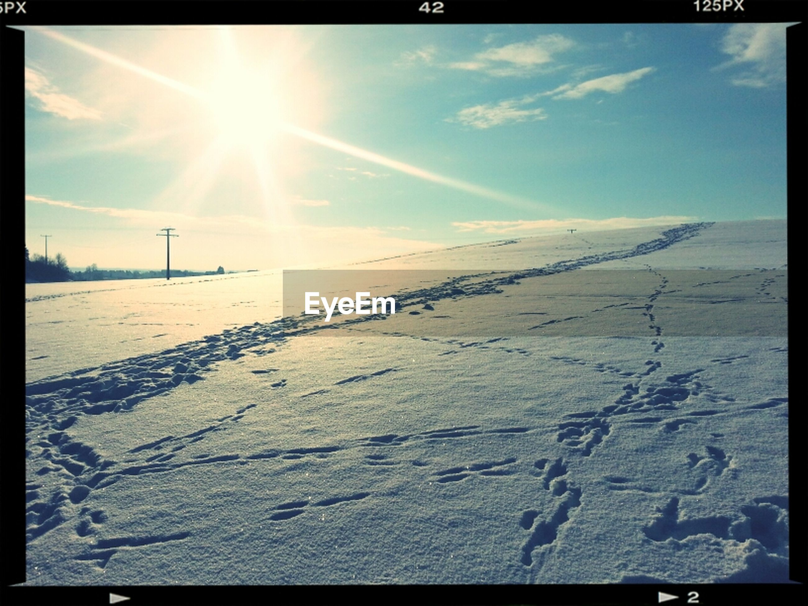 transfer print, sun, sunlight, sunbeam, sky, auto post production filter, lens flare, sunny, tranquility, tranquil scene, landscape, nature, snow, scenics, cloud - sky, beauty in nature, cloud, day, outdoors, cold temperature