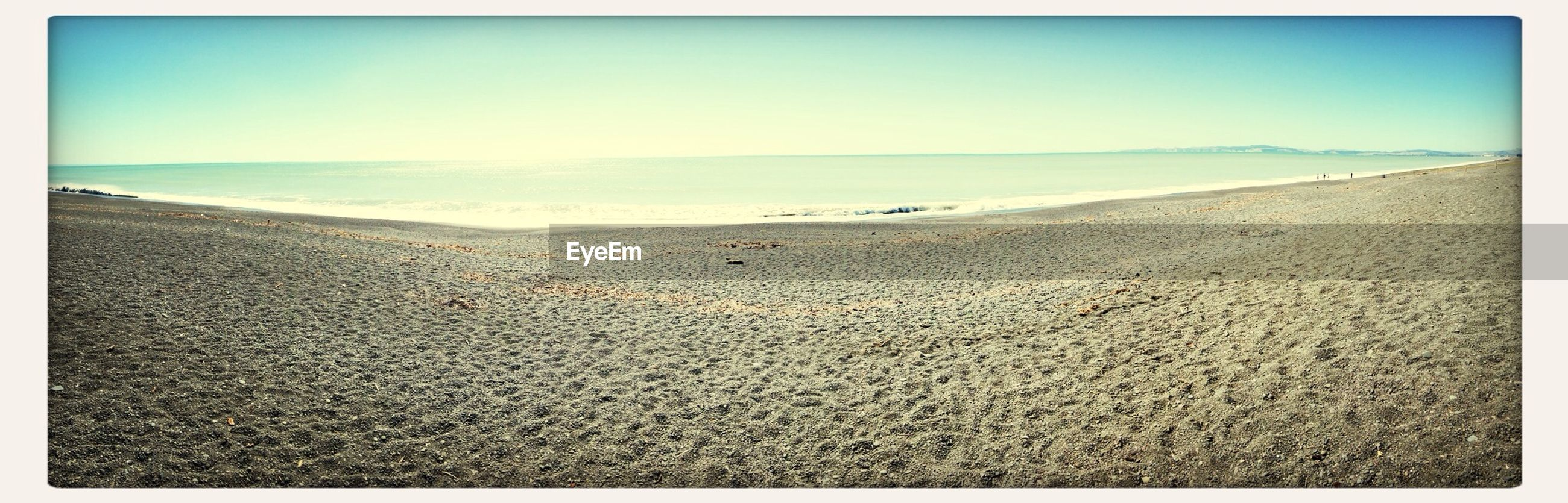 sea, horizon over water, beach, transfer print, sand, water, shore, tranquil scene, tranquility, scenics, clear sky, auto post production filter, beauty in nature, nature, copy space, blue, wave, sky, coastline, idyllic