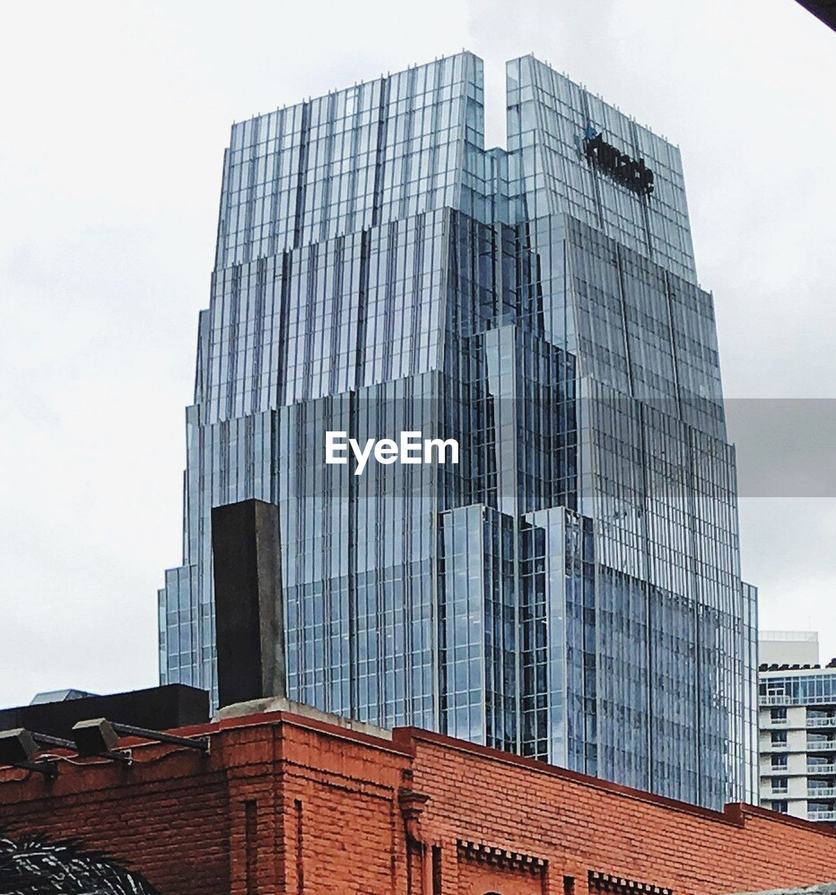 architecture, building exterior, built structure, sky, skyscraper, modern, low angle view, no people, day, outdoors, city