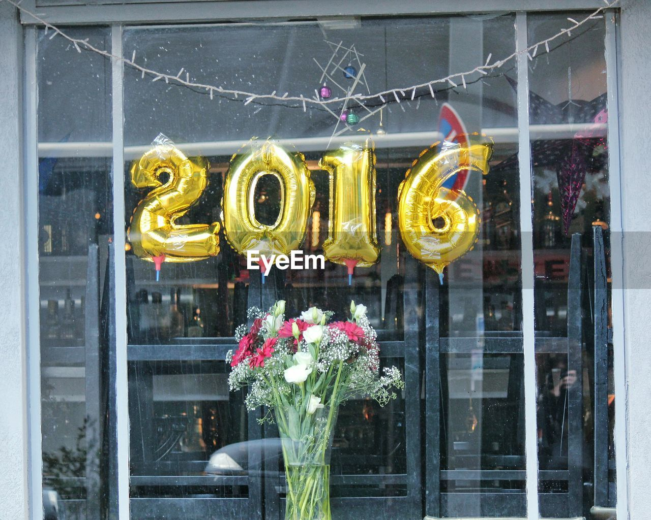 Gold Foil Party Helium Balloons In Shape Of 2016