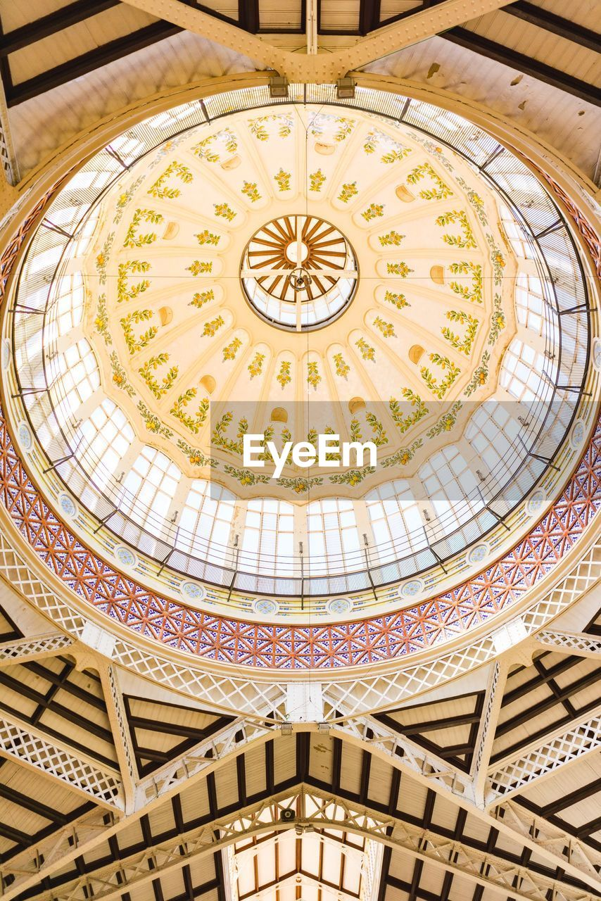 architecture, built structure, dome, low angle view, ceiling, pattern, building exterior, no people, religion, place of worship, travel destinations, art and craft, belief, spirituality, craft, geometric shape, design, circle, ornate, cupola, directly below, mural