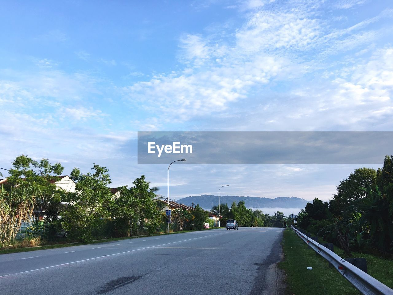road, the way forward, tree, sky, cloud - sky, transportation, diminishing perspective, day, outdoors, nature, no people, tranquil scene, scenics, beauty in nature