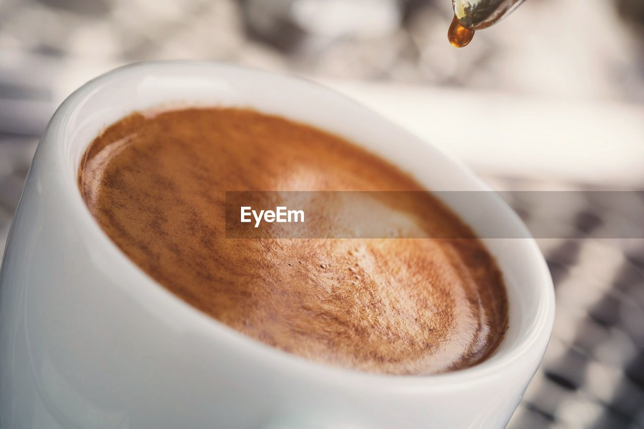 cup, coffee, mug, coffee cup, coffee - drink, drink, food and drink, refreshment, hot drink, frothy drink, still life, close-up, freshness, cappuccino, indoors, selective focus, focus on foreground, brown, no people, food, latte, caffeine, non-alcoholic beverage, froth, crockery