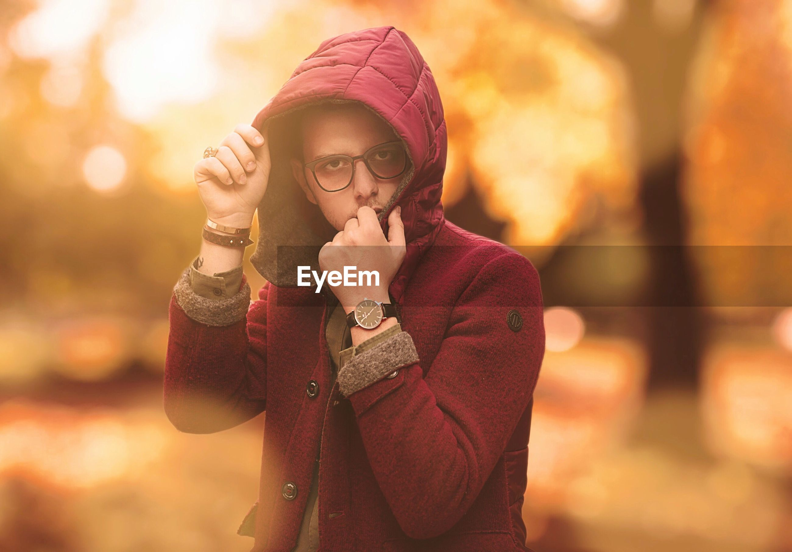 real people, focus on foreground, front view, leisure activity, lifestyles, autumn, young women, scarf, one person, young adult, outdoors, fashion, night, standing, beautiful woman, warm clothing, nature, close-up, people