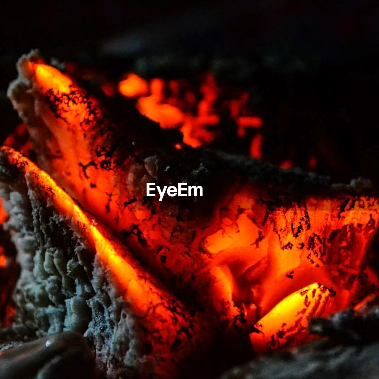 heat - temperature, flame, orange color, glowing, close-up, no people, burning, red, night, outdoors, nature