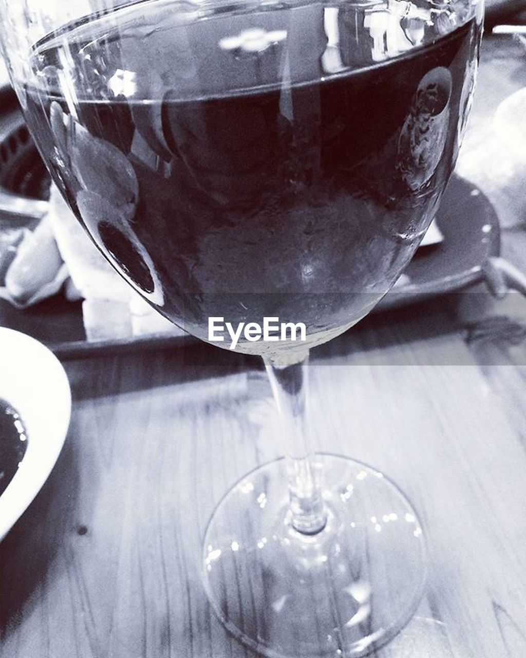 food and drink, refreshment, drink, table, close-up, no people, indoors, alcohol, wineglass, drinking glass, freshness, food, day