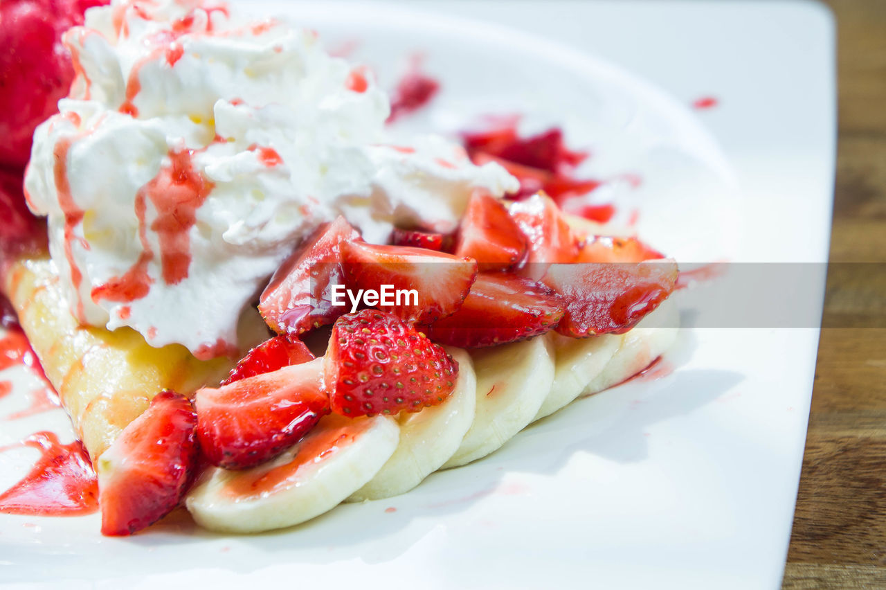food and drink, food, plate, fruit, healthy eating, freshness, strawberry, ready-to-eat, berry fruit, close-up, dessert, indulgence, sweet food, sweet, still life, table, red, wellbeing, no people, baked, temptation, tart - dessert, crockery, breakfast