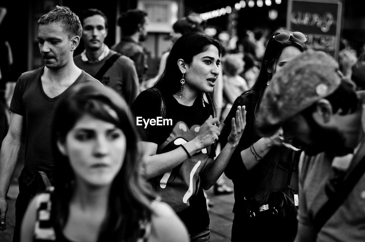 real people, focus on foreground, outdoors, togetherness, day, women, young adult, young women, crowd, people
